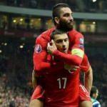 Burak ve Arda'dan Galatasaray'a gönderme!