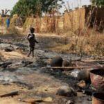 Dünya şokta: Teröristler köyde katliam yaptı!