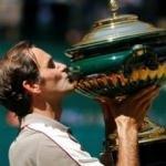 Roger Federer'den tarihi şampiyonluk!