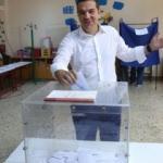 Yunanistan'da halk sandık başında!