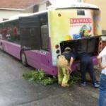 Üsküdar'da otobüs ve minibüs birbirine girdi! Yaralılar var