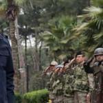 Bakan Akar ve komutanlar Suriye sınırında!