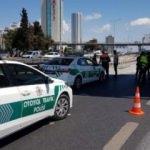 İstanbul'da yol çöktü: Trafiğe kapatıldı