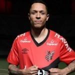 Adriano'nun yeni takımı resmen açıklandı!
