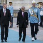 Erdoğan ile Malezya Başbakanı görüşmesinde dikkat çeken anlar!