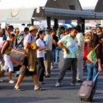 Türk turistler Yunanın yüzünü güldürdü