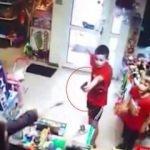 Çocuklar silah çekip soygun yapmaya kalktı!