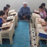 Görme engelli imam Necmettin çocuklara Kur'an-ı Kerim öğretiyor!