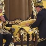 Malezya kralı tacını giydi!