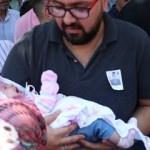 Şehit askeri 50 günlük bebeği son yolculuğuna uğurladı
