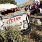18 kişinin yaralandığı feci kaza kamerada
