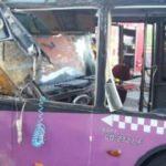 İstanbul'da feci kaza: Halk otobüsü TIR'a çarptı