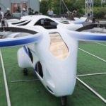 Japonya'da uçan otomobil deneme uçuşu yaptı