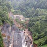 Rize'de heyelan: Yol trafiğe kapandı, sel riski var