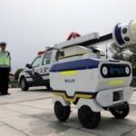 Üç ayrı model robot trafik polisi çalışmaya başladı