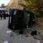 Antalya'da minibüs devrildi: 16 yaralı