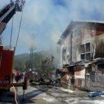 Şehit ailesinin evi yandı