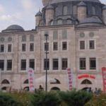 Sokullu Mehmet Paşa Camii'ndeki tabela kaldırıldı