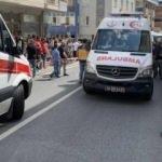 Ümraniye'de minibüsle otomobil çarpıştı: 1'i bebek 6 kişi yaralı