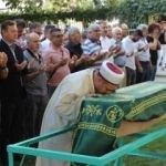 Annesi ve sevgilisi tarafından öldürülen minik Eymen toprağa verildi