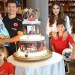 Emre Belözoğlu'na sürpriz kutlama