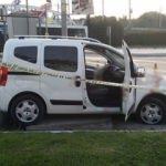 Kurşun delikleri bulunan araç kaza yaptı