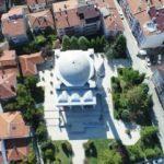 Tarihi caminin bahçesine çocuk parkı kurulacak