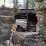 Tarihi çeşmede restorasyon faciası: Levyelerle yıktılar