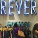 Giyim devi 100 mağazasını kapatacak!