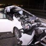 Kontrolden çıktı, önce direğe sonra başka bir arabaya çarptı: 1 ölü