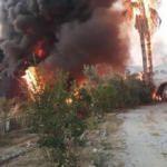 Mersin'de, çilek kasası deposunda yangın