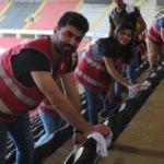Beşiktaş maçı öncesi stadı temizlediler!