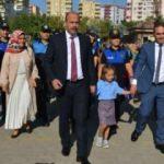 Şehit kızı Hafza'yı, emniyet müdürü okula götürdü
