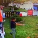 Senet çetesinin iş yeri sahibine silahlı saldırı anları!