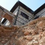 Alanya'da skandal: Evine pencere açmak için tarihi suru yıktı