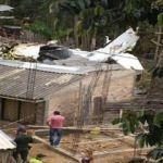 Kolombiya'da evin üzerine uçak düştü! Ölüler var