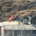 Yangında eşyalarını bıraktı, Türk bayrağını kurtardı...