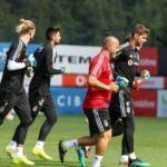 Beşiktaş'ta Victor Ruiz düz koşulara başladı
