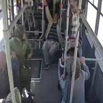 Halk otobüsü otomobille çarpıştı, yolcular böyle savruldu
