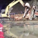Havalimanı inşaatındaki heyelanda operatör öldü