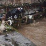 Hindistan'da şiddetli yağışlar 59 can aldı!