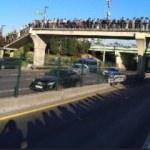 Altunizade metrobüs durağında insan seli