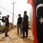 Libya'da yabancı savaş uçakları havaalanını bombaladı!