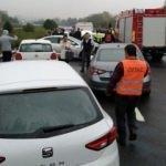 TEM'de 12 aracın karıştığı zincirleme kaza: Yaralılar var