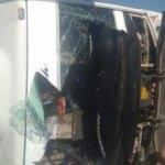 Yolcu taşıyan midibüs devrildi: 29 yaralı