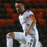Beşiktaş'ta Gökhan Gönül 2 hafta yok