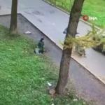 Lağım çukuruna düşen çocuğu annesi böyle kurtardı!