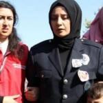Şehit eşini son yolculuğuna polis üniformasıyla uğurladı