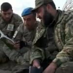 SMO ile Mehmetçik dinlenme sırasında Kur'an-ı Kerim okudu