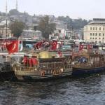 Eminönü'ndeki balık ekmek satan tekneler için karar
